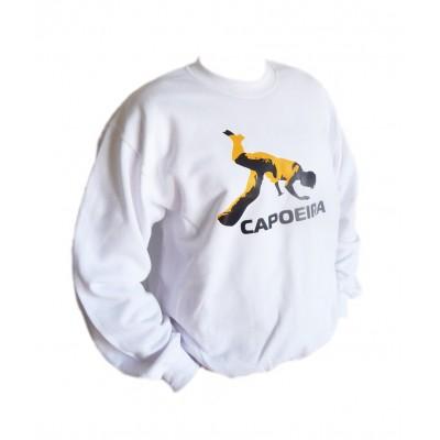 Blanca con capucha de Capoeira